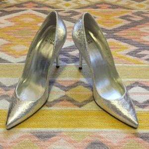Stuart Weitzman • Silver Pointed Toe Pump